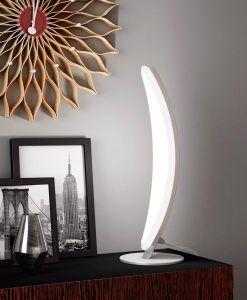 Lámpara de mesa HEMISFERIC aluminio ambiente