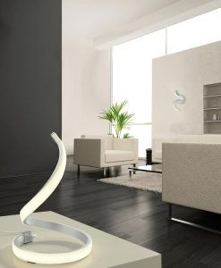 Lámpara de mesa NUR plata/cromo ambiente