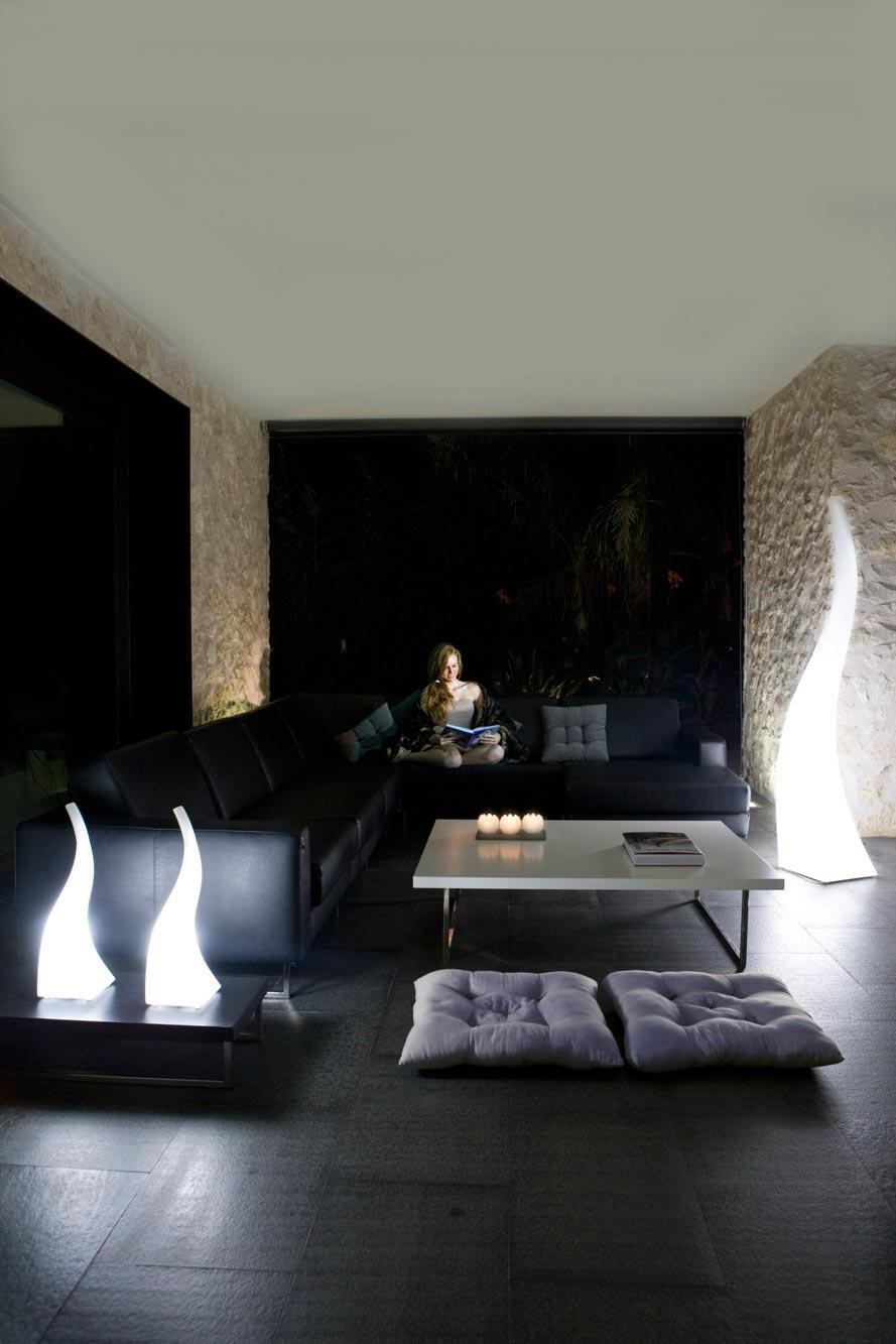 Lámpara de pie exterior FLAME ambiente