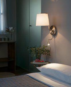 Aplique con lector LED níquel BERNI ambiente