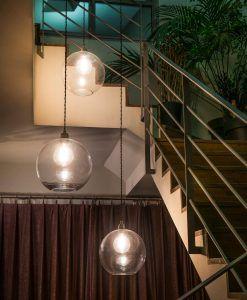 Lámpara colgante transparente ERMA ambiente