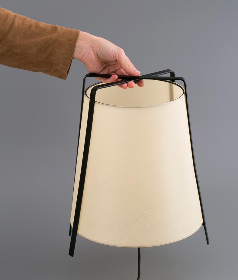 Lámpara sobremesa pequeña AKANE detalle