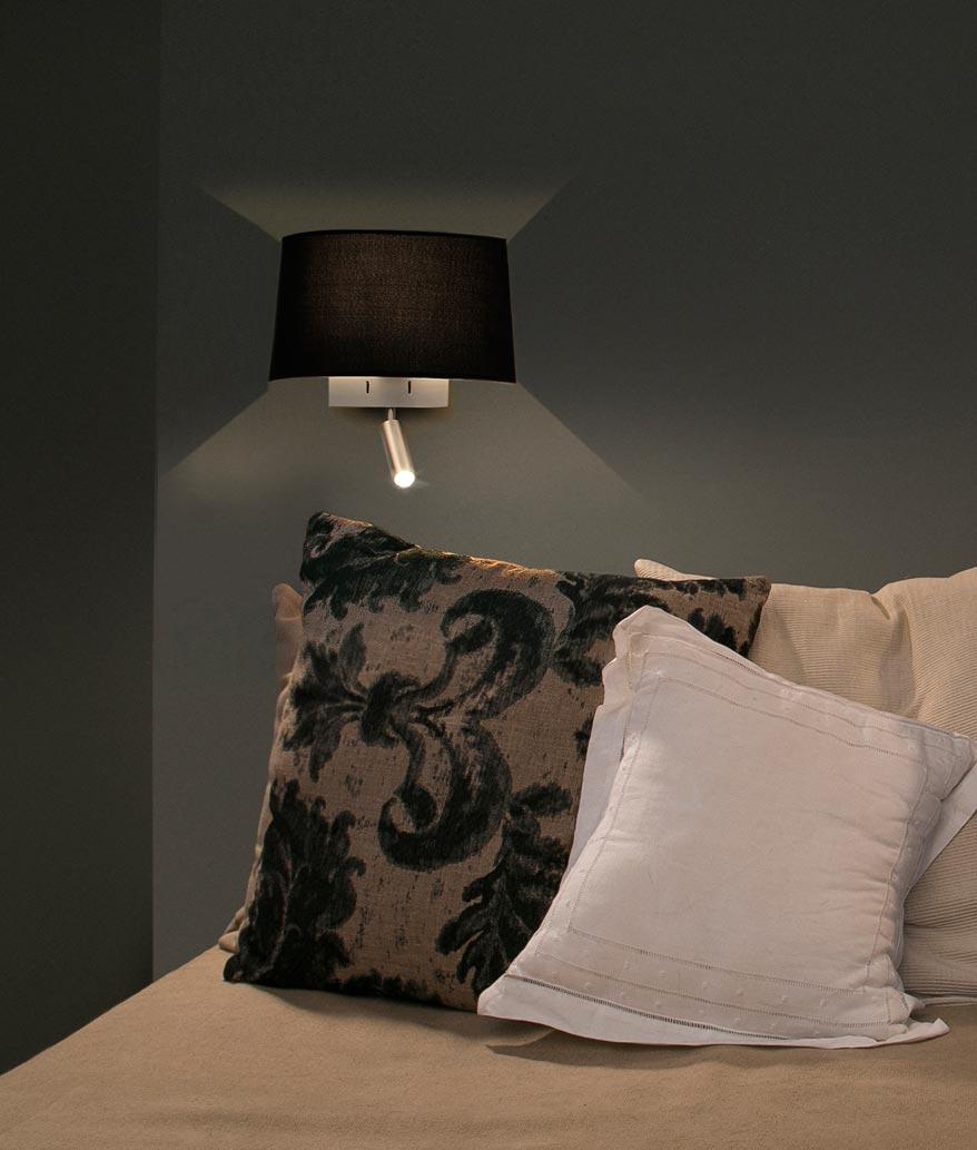 Aplique con lector LED negro VOLTA ambiente