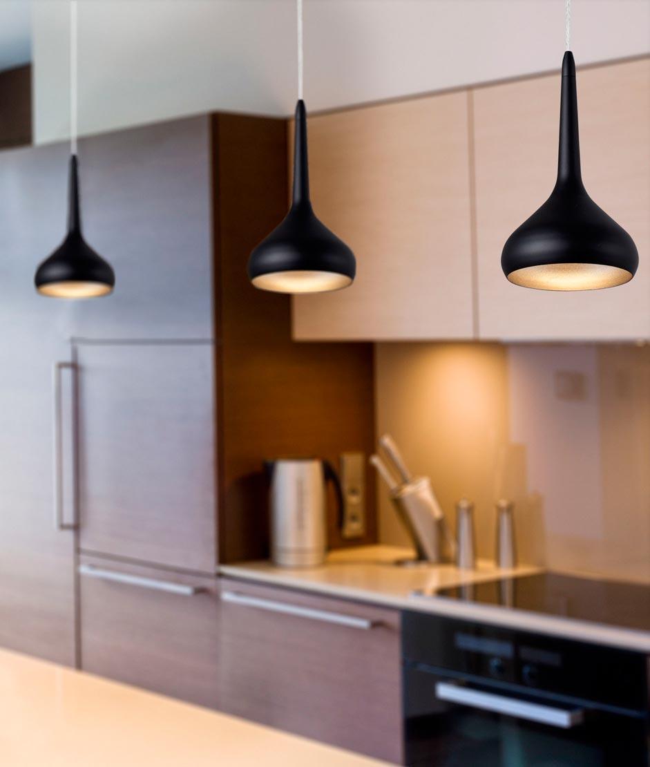 Colgante LED negro y dorado TEMPO ambiente
