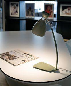 Lámpara de mesa verde RETRO ambiente