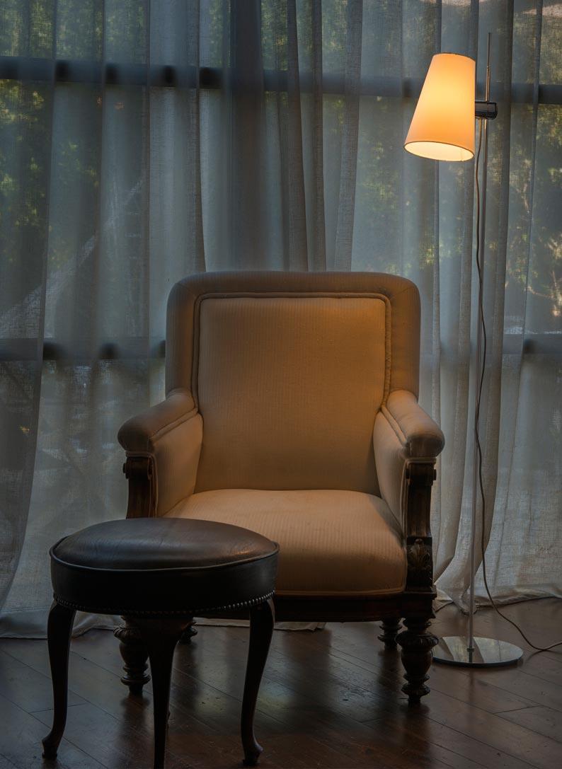 Lámpara de pie LUPE cromo ambiente
