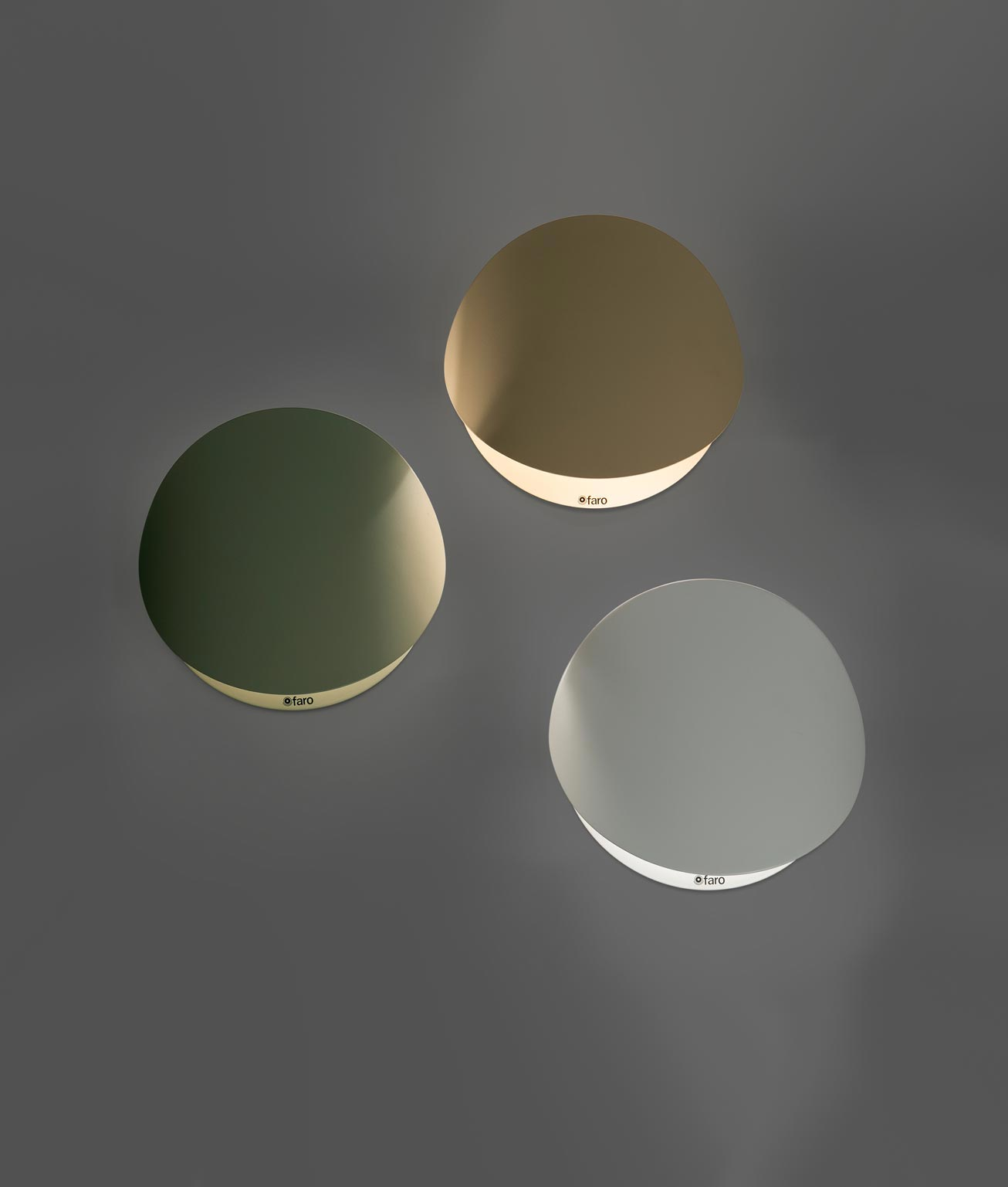 Lámpara aplique blanca pequeña OVO detalle 2
