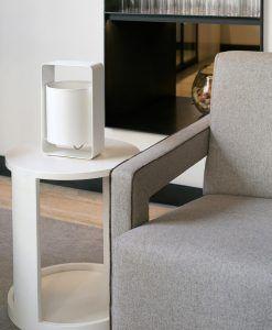 Lámpara de mesa blanca pequeña LULA ambiente
