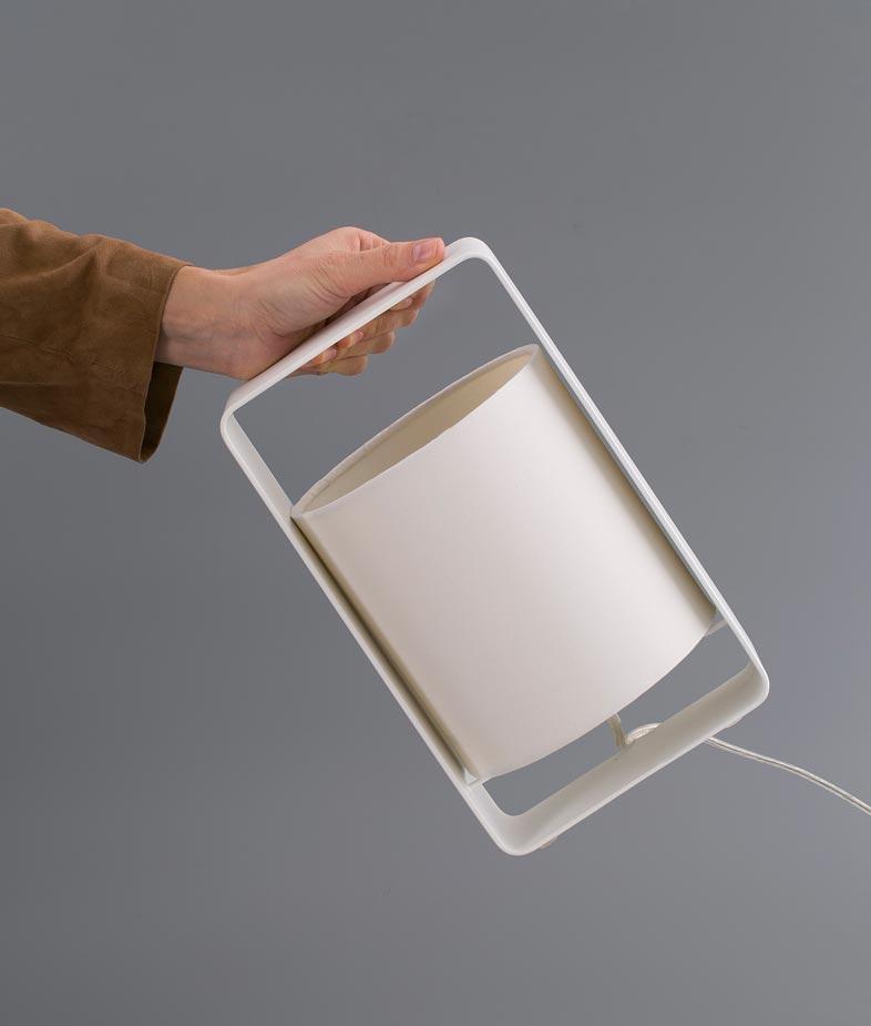 Lámpara de mesa blanca pequeña LULA detalle