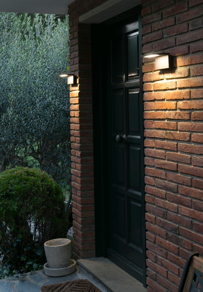 L mpara aplique gris oscura ele led la casa de la l mpara for Lamparas para exteriores de casas