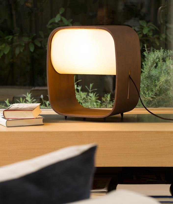 Lámpara de mesa LED de madera 1968 - La Casa de la Lámpara