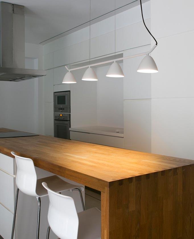 L mpara de techo lineal 4 luces flash led la casa de la l mpara - Casas de lamparas en barcelona ...
