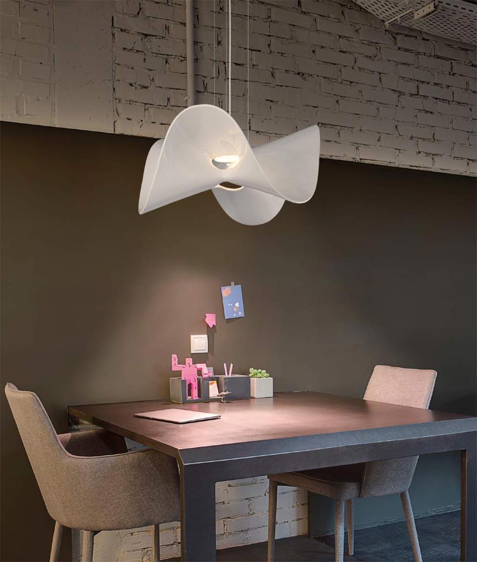 Iluminación LED colgante MANTA ambiente 2