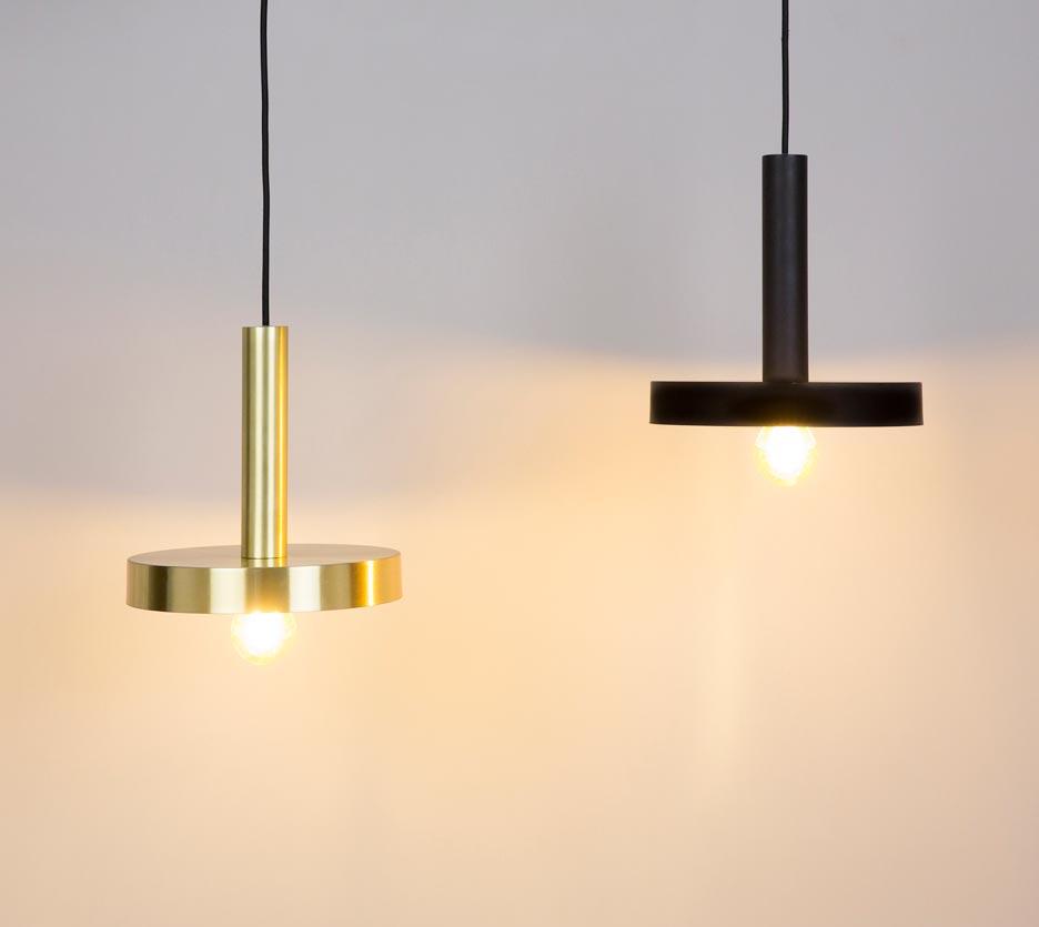 Lámpara de techo negra y oro satinado WHIZZ ambiente 2