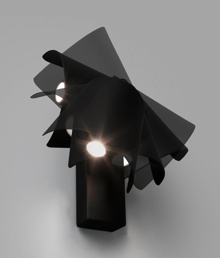 Lámpara aplique atemporal negro LE PETIT LED detalle 2