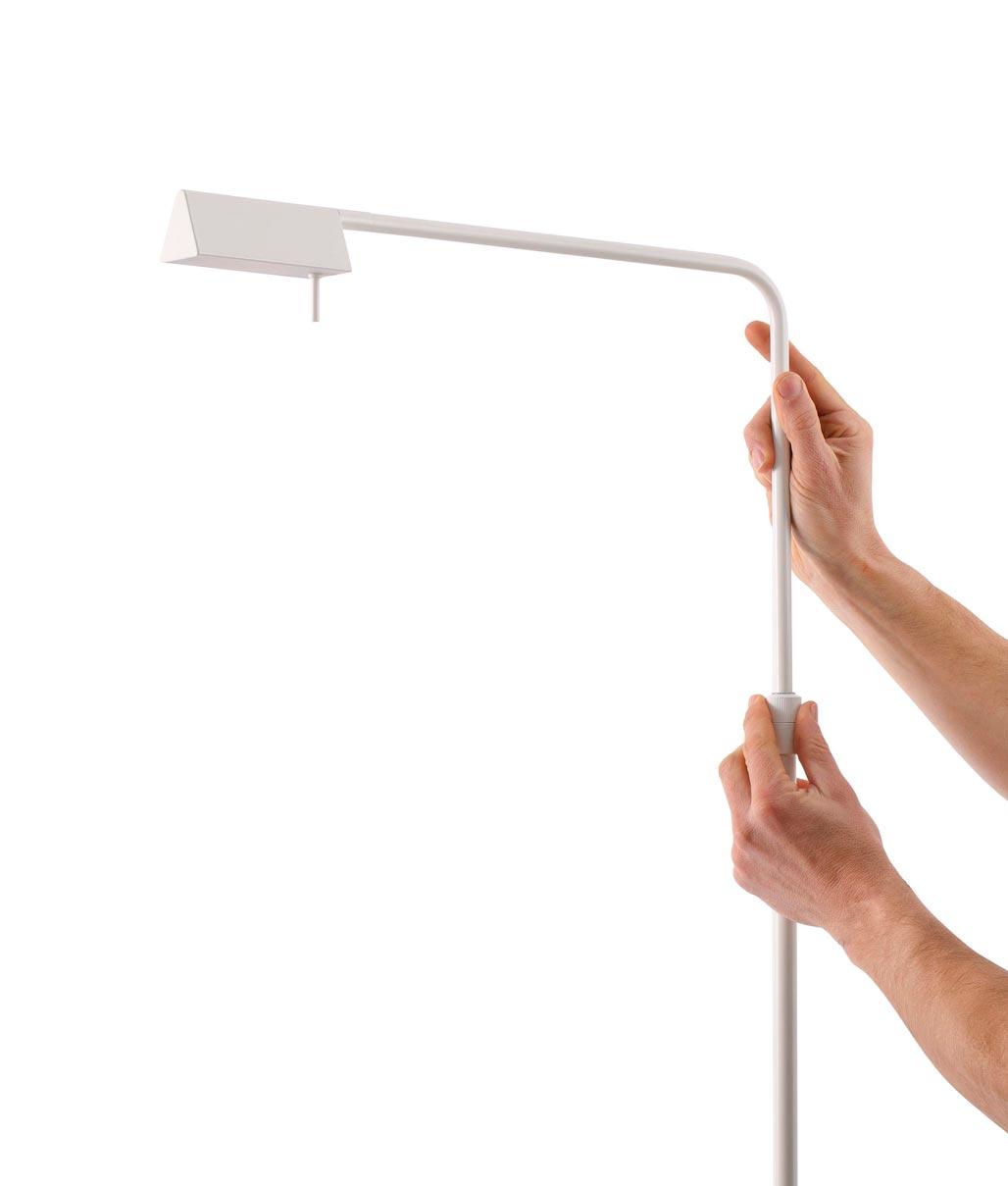Lámpara de pie regulable blanca ACADEMY LED detalle 2