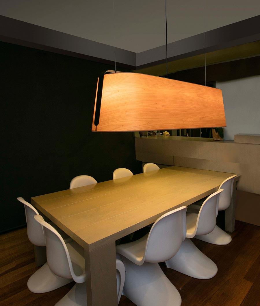 Lámpara lineal 5 luces madera y negro STOOD nuevo ambiente