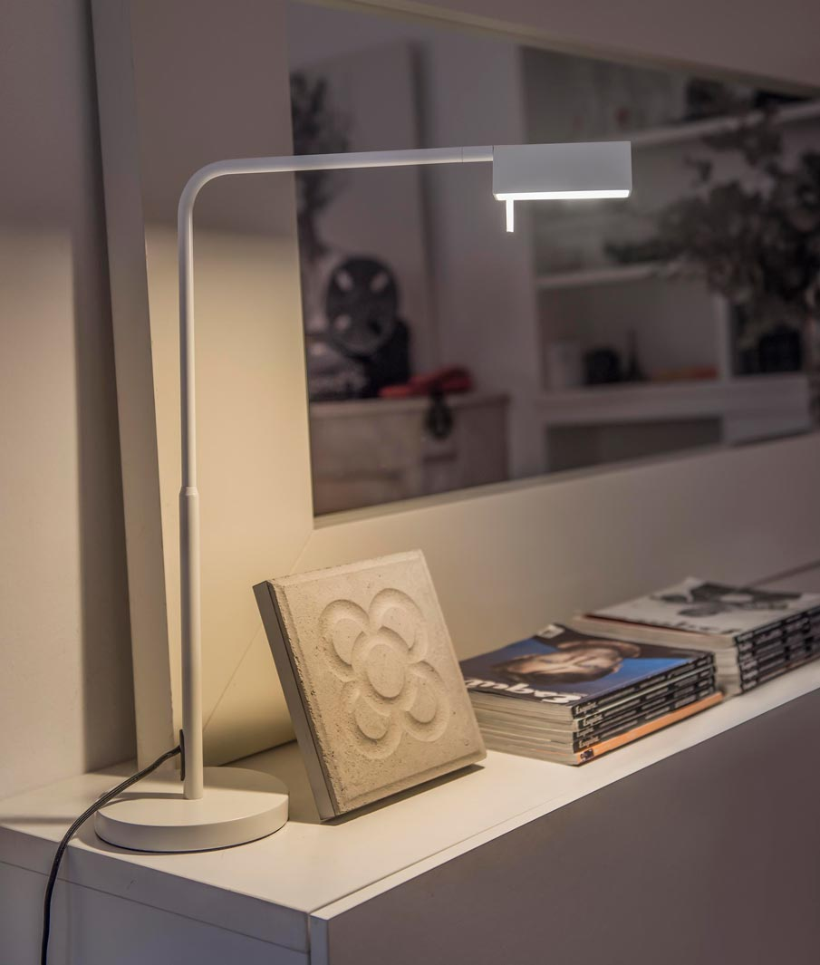 Lámpara sobremesa blanca ACADEMY LED ambiente