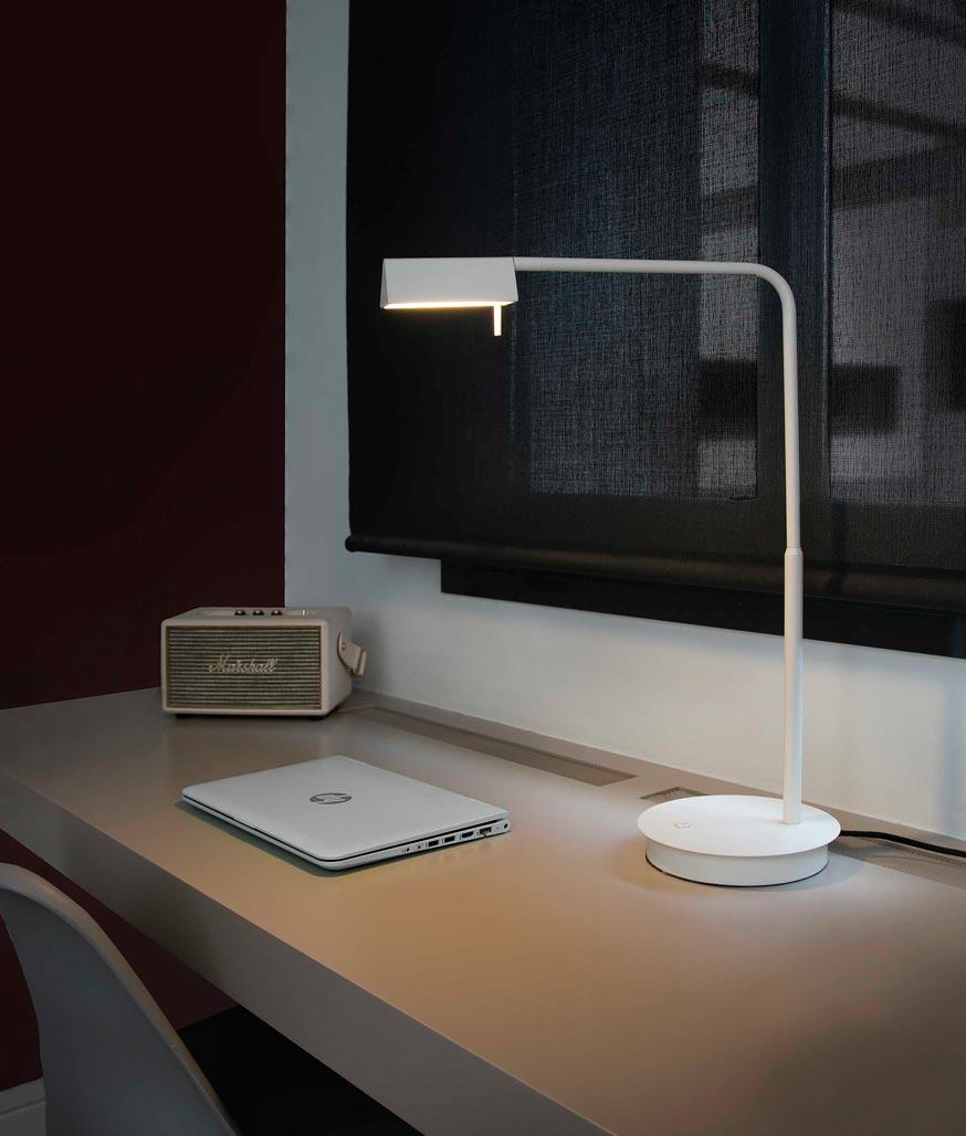 Lámpara sobremesa blanca ACADEMY LED ambiente 2