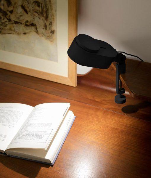 Lámpara pinza regulable en el eje INVITING LED ambiente