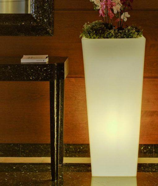Lámpara macetero luz LED 110 cm altura MELISA