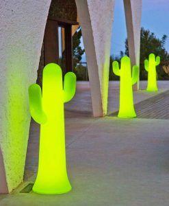 Lámpara pie color lima 140 cm altura PANCHO ambiente