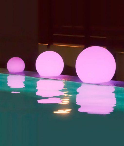 Lámpara solar flotante BULY ambiente
