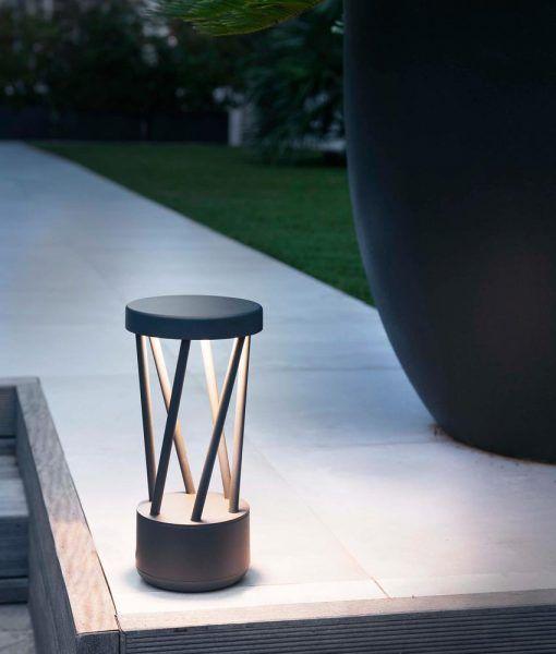 Lámpara sobremuro gris oscuro TWIST LED ambiente