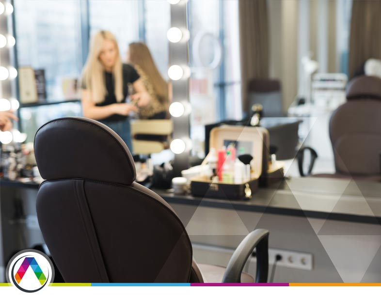 Lámparas de barbería, peluquería o estética ¿Cómo elegir la iluminación?