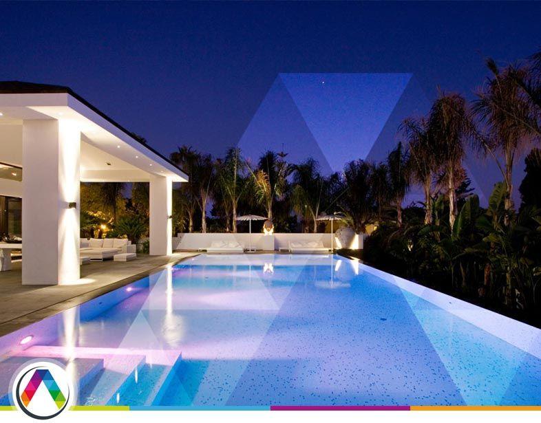 Iluminación y decoración de piscina!